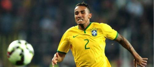 El lateral derecho brasileño Danilo fuera el resto del torneo por lesión en el tobillo