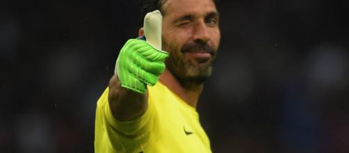 Buffon ya es jugador del Paris Sant-Germain de forma oficial