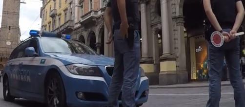 Polizia impegnata in un servizio di controllo