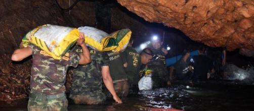 TAILANDIA / Se tardan 11 horas en total para llegar a la gruta de la cueva Tham Luang