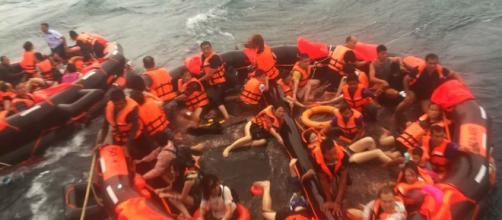 """Vítimas resgatas no naufrágio do """"Phoenix""""."""