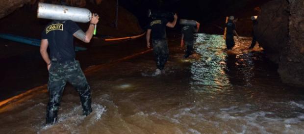 TAILANDIA / Fallece un buzo en las tareas de rescate a los niños de la cueva