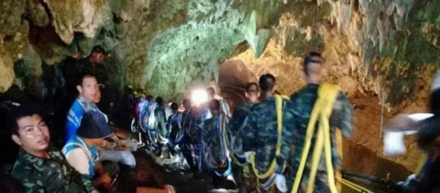 Thailandia: muore un soccorritore dei ragazzi intrappolati nella grotta.