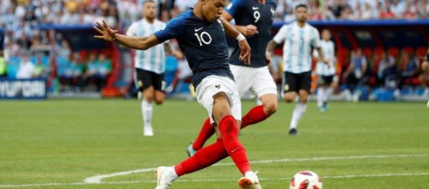 Uruguay vs France Predictions, Betting Tips, Match Previews and Video - (Imag via freesupertips/Twitter)