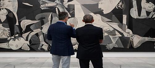 El rey Felipe VI acompañó al expresidente Obama en su visita por el Museo Reina Sofía