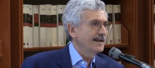 Massimo D'Alema parla alla Biblioteca della Camera