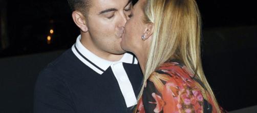 Belén Esteban celebra el cumpleaños de su novio con una foto y el triunfo contra Toño