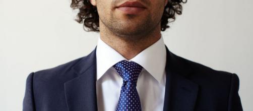 Indossare la cravatta può far male alla salute, secondo una ricerca condotta in Germania.