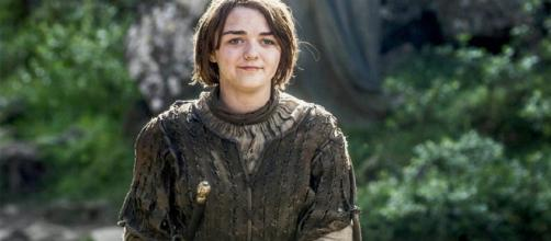 Maisie Williams nei panni di Arya Stark
