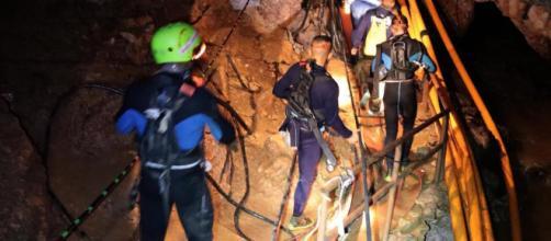 Tailandia empieza a rescatar a los niños atrapados en una cueva ... - lainformacion.com