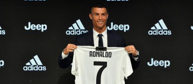 Cristiano Ronaldo faz seu primeiro treino duro com a camisa da Juventus