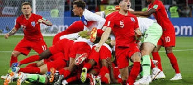 Inglaterra vuelve a semifinales de un mundial de fútbol después de 28 años
