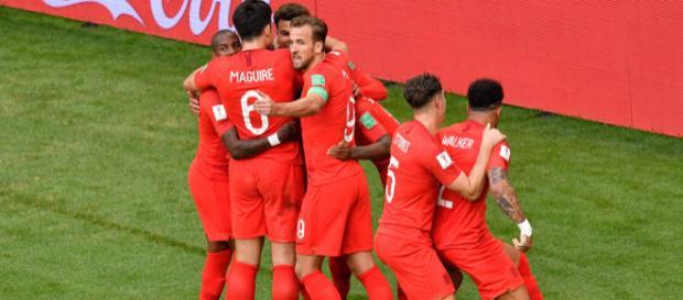 L'Angleterre s'offre les demies-finales en battant la Suède 2 à 0.