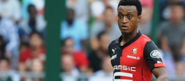 Mexer, défenseur central du Stade Rennais, pourrait se retrouver dans le camp de l'ASSE d'ici Septembre.