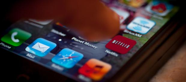 Netflix is eliminating all reviews as well as the ability to post reviews of their content. - [Shardayy / Flickr]