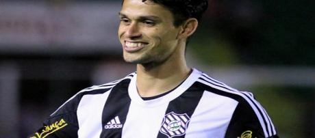 Henan não será mais jogador do Fluminense (Foto: Luiz Henrique/Figueirense FC)