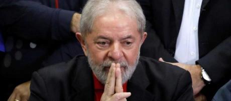 Decisão do TRF-4 impede que Lula seja libertado