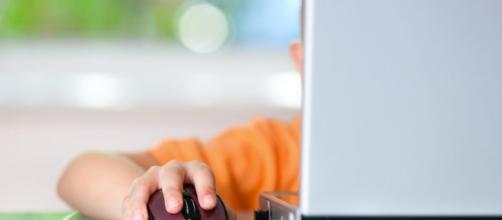 Bimbi online, un sondaggio svela cosa ricercano: i video in vetta alla classifica