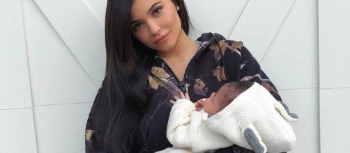 Kylie Jenner revela sentirse insegura con su cuerpo luego de su embarazo