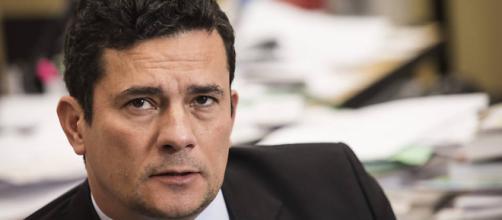 Ministros do STF vêem erro de Sérgio Moro em ordenar que a PF não solte Lula