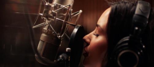 Demi Lovato sigue sin poder abandonar el hospital pues aún se encuentra enferma
