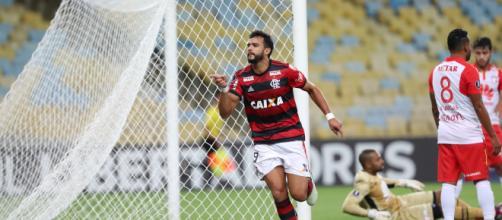 Henrique Dourado pode ser o próximo jogador a deixar o Flamengo