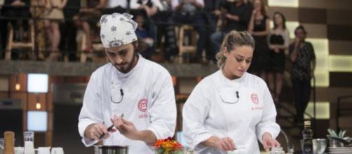 Hugo e Maria Antônia disputam a grande final do Master Chef Brasil