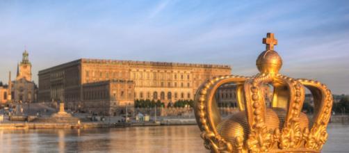 Palazzo reale di Svezia: furto di gioielli e fuga in motoscafo