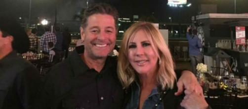 Steve Lodge spends time with Vicki Gunvalson. [Image Source: Vicki Gunvalson - Facebook]