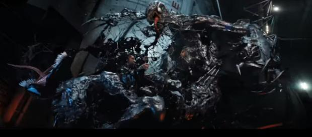 Eddie Brock will fight Riot in the new 'Venom' movie trailer [Image Credit: Sony Pictures Entertainment/YouTube screencap]