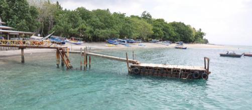 The Gili Islands off the northwest coast of Lombok are a popular tourist destination. - [Jorge Lascar / Wikimedia Commons]