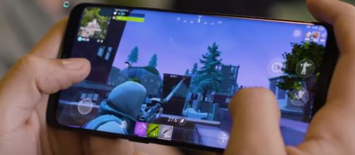Fortnite Android Beta is out now. [image source: TrueTriz/YouTube screenshot]