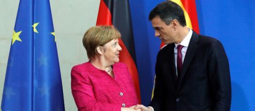 Pedro Sánchez y Angela Merkel reunidos para hablar sobre la inmigración