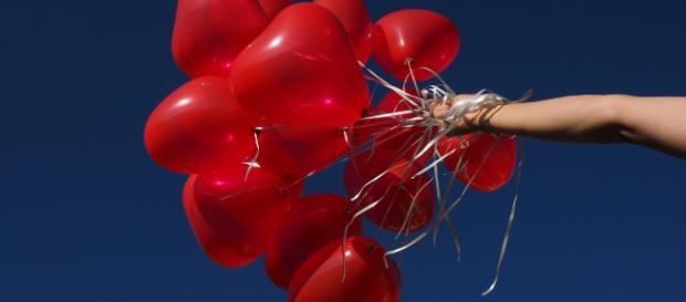 Una mamma inglese è rimasta paralizzata dopo aver gonfiato palloncini per la festa del figlio con ossido di azoto.