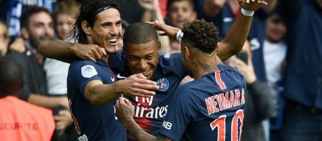 Sports | Foot - Ligue 1 : Paris bat facilement Angers 3-1