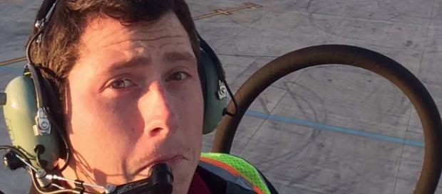 Empleado de aeropuerto de Seattle roba avión y provoca una colisión