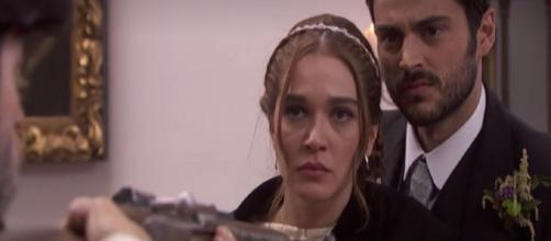 Anticipazioni Il Segreto: Saul aggredito durante le nozze di Julieta e Prudencio
