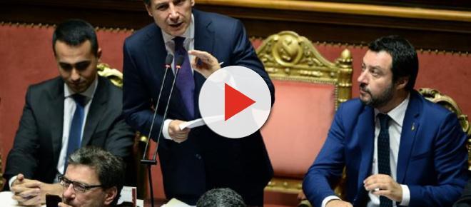 Governo teme attacco finanziario, Di Maio: 'A Palazzo Chigi non c'è Berlusconi'