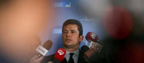 O juiz federal Sérgio Moro ordenou a prisão dos condenados nesta segunda-feira (13).