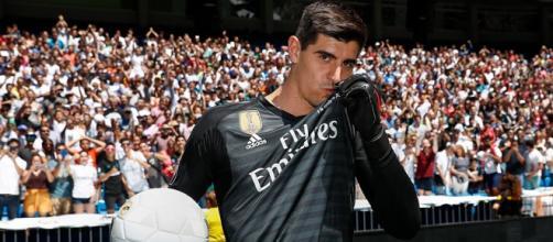 Courtois y Arturo Vidal son 2 de los fichajes que ilusionan en La Liga 2018 y 2019