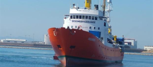 España recibirá 50 inmigrantes rescatados por el barco humanitario