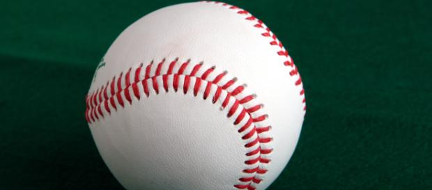 Image of a baseball. [Image Source: Tage Olsin - Wikimedia Commons]