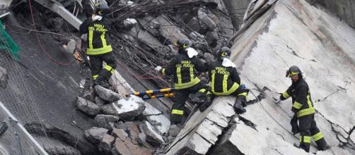 Aumentan a 26 los muertos por el derrumbe de puente en Génova