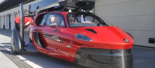 El primer coche volador del mundo se presentó en Ascari