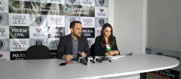 Delegados Henry Fábio e Alba Tânia, da Polícia Civil, em coletiva realizada na tarde desta quarta-feira (15). (Foto: Iara Alves/G1)