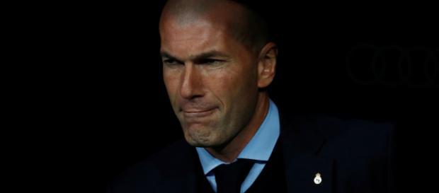 Mercato- Zidane lorgnerait sur le banc de Manchester United - yahoo.com