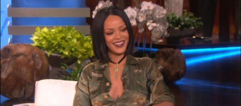 Rihanna (Imagem via YouTube/ TheEllenShow)