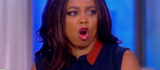 Omarosa- former white House aide in the news-Photo-( image credit-CNN/youtube)