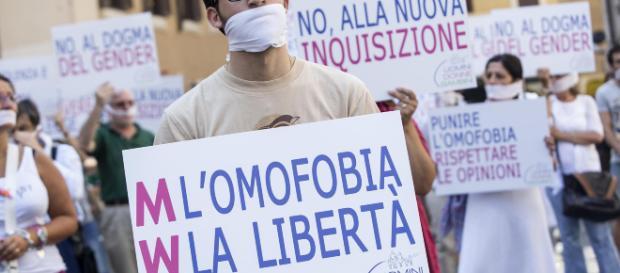 Palermo, ragazza trans vuole affittare camera ma nessuno gliela offre.