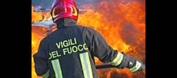 Treviso, esplode ordigno rudimentale davanti a sede della Lega, disinnescato secondo ordigno dai Vigili del Fuoco